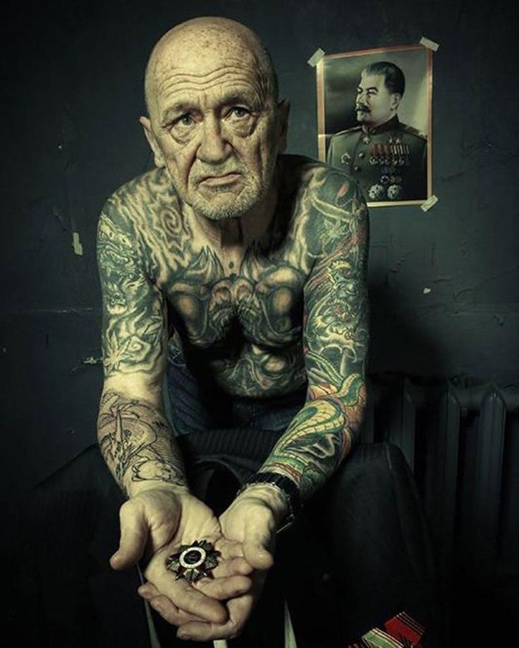 tattooed-elderly-people-22__605.jpg